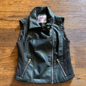 Justice vest